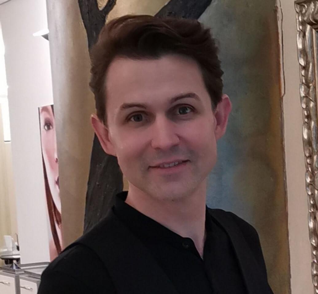 Friseur Vitali Baryschnikow im Team von Sylvia Schacht