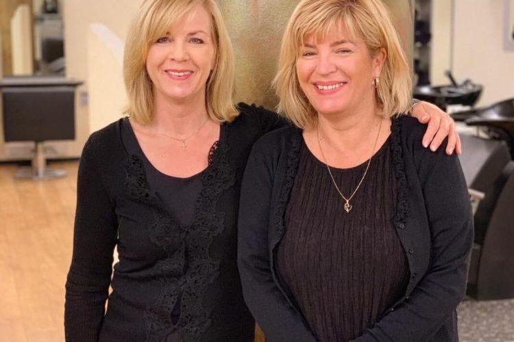 Mariola Kawoll mit Friseurin Sylvia Schacht in Poppenbüttel